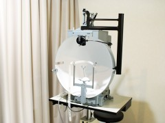 動的量的視野検査の写真