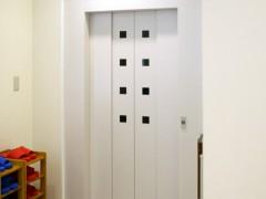 手術室専用エレベーターの写真