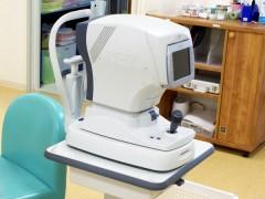 自動屈折検査機(オートレフ)の写真